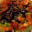 Salade van sla, rode kool en tomaten